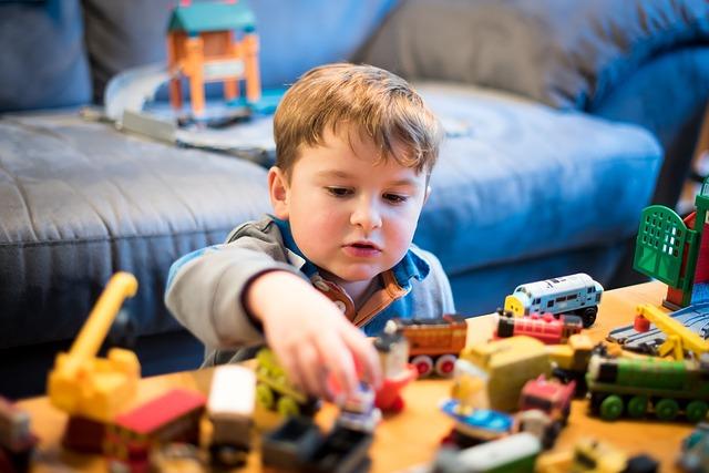 Wybieramy zabawki dla małego konstruktora