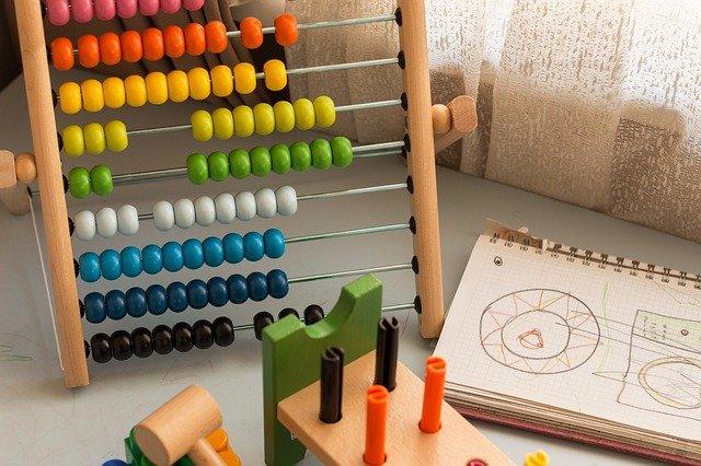 Zabawki sensoryczne dla małych dzieci
